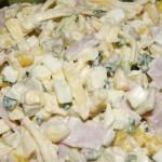 Sałatka z szynką i serem żółtym
