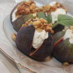 Figi z ricottą i orzechami w miodzie